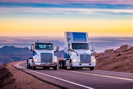 Kenworth, Peterbilt Zero-Emissions Trucks Reach Summit