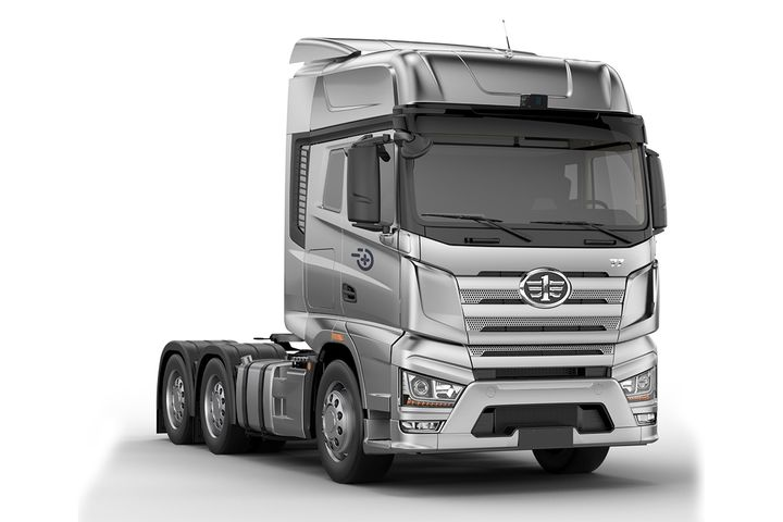 FAW's J7+, co-developed by Chinese truck maker, FAW and Plus AI is the first self-driving truck to be certified for on-road testing in China. - Photo: Plus AI/FAW