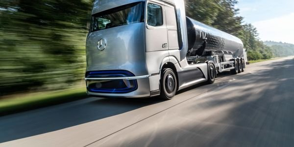 The Mercedes-Benz GenH2 Truck is a concept for a fuel cell powered long-haul vehicle.
