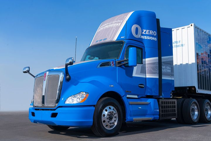 Toyota and Kenworth have been jointly developing hydrogen fuel cell technology for Class 8 trucks since 2017. - Photo: Toyota