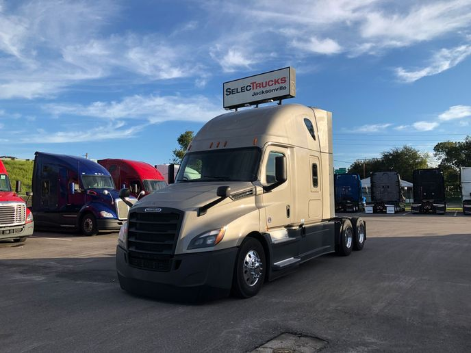 Late-model Freightliner Cascadias will offer used-truck buyers more advanced safety technology in 2021. - Photo: Daimler Trucks North America