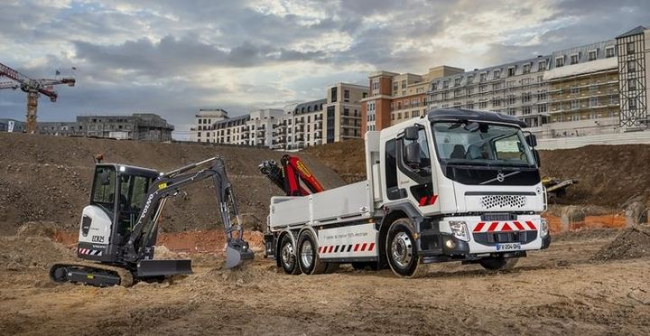 Volvo believes taking a life-cycle approach to batteries will help accelerate the adoption of zero-emissions vehicles, like this electric compact excavator and Volvo FE Electric truck. - Photo: Volvo Group