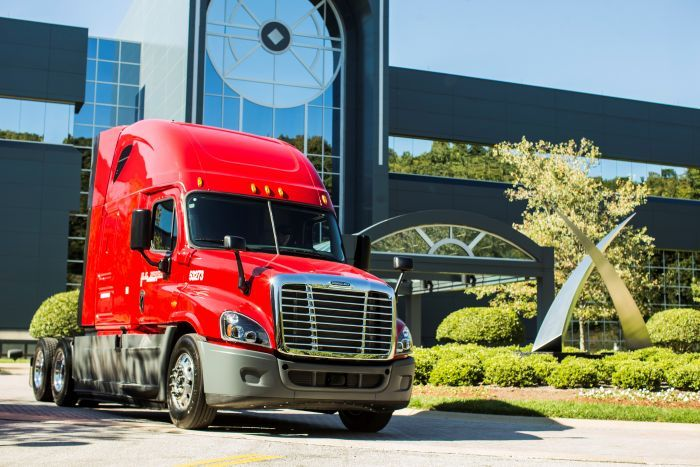 U.S. Xpress Enterprises' 2021 Corporate Responsibility Report details how the company is reducing carbon emissions in its fleet of more than 6,500 trucks. - Photo: U.S. Xpress