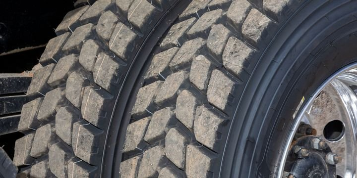 The Michelin X Works D features full-tread-depth lateral groove tread patterns to provide balance between stability for increased wear. - Photo: Michelin