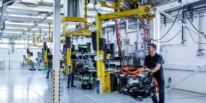 Shown, components being assembled into a finished fuel-cell system in Nabern, Germany. - Photo: Daimler
