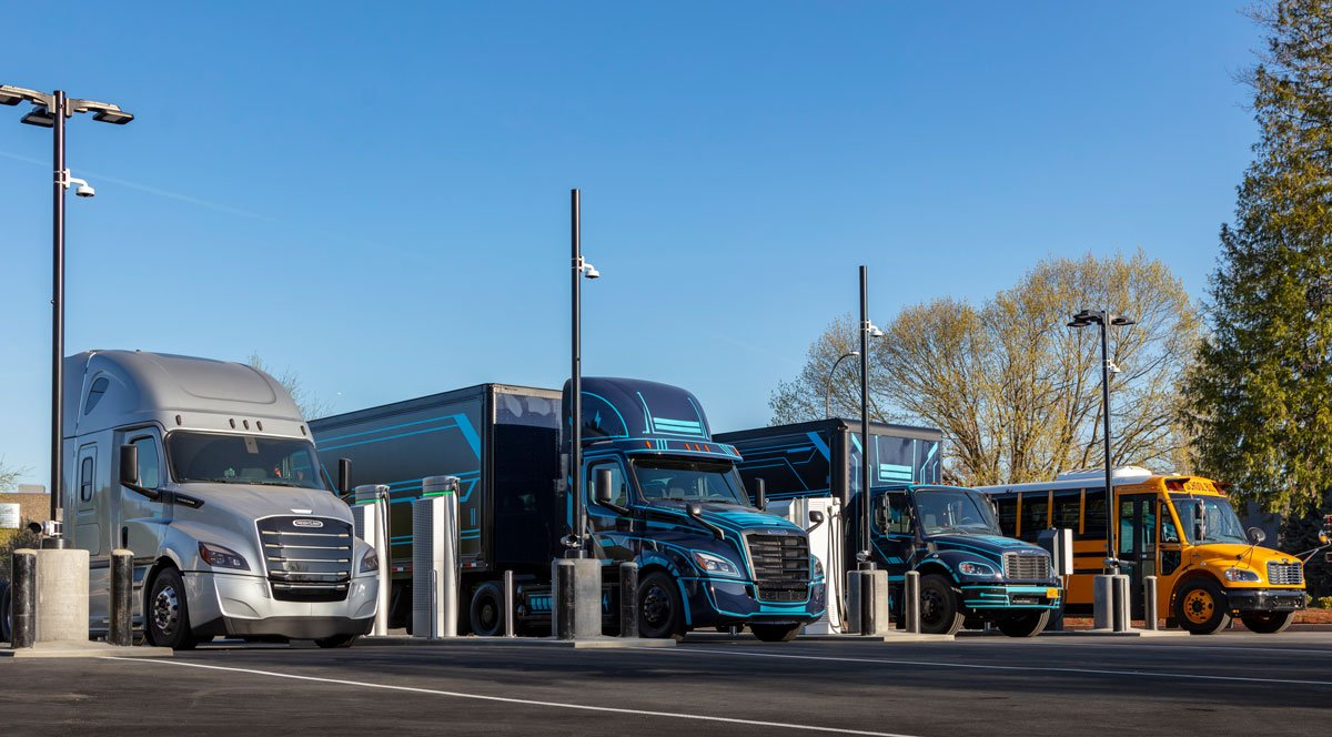 Daimler, PGE Open 'Electric Island' Charging Site