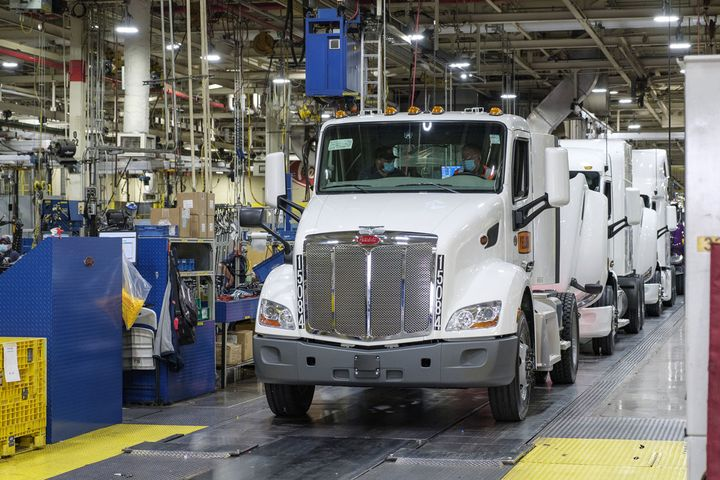 Greg Dam, a 35-year veteran of Yellow, drove one of the first of the company's new Model 579s off the Peterbilt assembly line. - Photo: Yellow