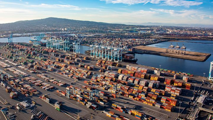 The Port of Los Angeles processed 957,599 Twenty-Foot Equivalent Units (TEUs) in March,  the strongest March in the port's 114-year history. - File Photo: Port of Los Angeles