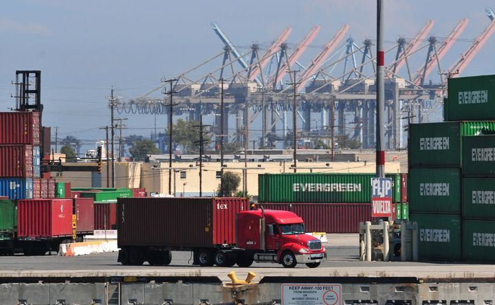 """The Port of Long Beach has started trying to prioritize """"dual moves,"""" which could help address container chassis utilization problems. - Photo: Jim Park"""