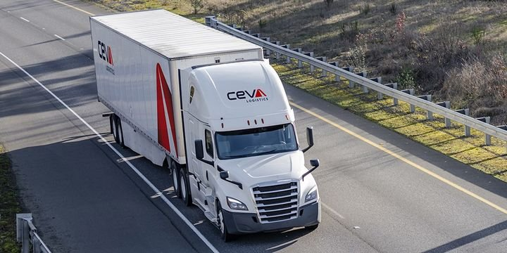 Ceva Logistics is encouraging U.S. truck drivers to join its transport team by offering sign-on incentives of $10,000 for solo drivers and $20,000 for team drivers. - Photo: Ceva