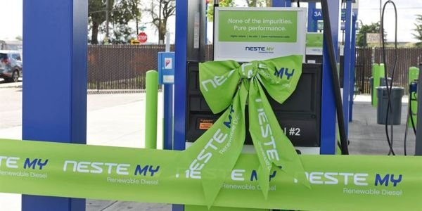 Neste's new renewable diesel fueling stations are strategically located near major commercial...