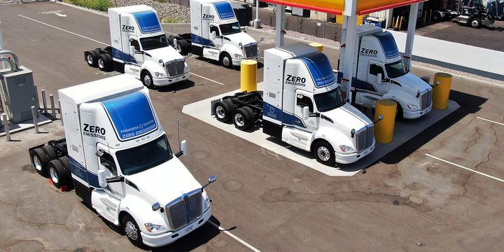 The Port of Los Angeles' Shore-to-Store pilot demonstration will assess the operational and technical feasibility of hydrogen-powered fuel cell electric trucks in a heavy-duty setting. - Photo:Port of Los Angeles