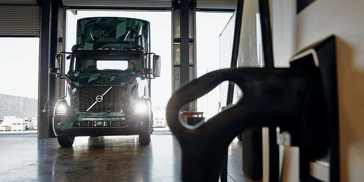 ATA's newly created Climate and Clean Energy Advisory Committee will address topics ranging from fuels, carbon pricing, and zero emission vehicle development. - File Photo: Volvo