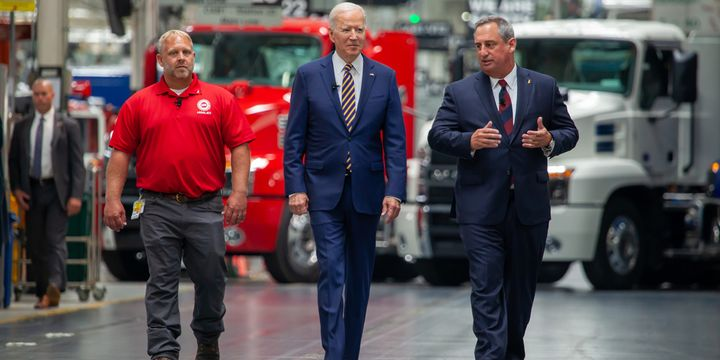Mack Trucks hosted President Joe Biden at its Lehigh Valley Operations facility in Macungie, Pennsylvania, where all Mack heavy-duty models for North America and export are assembled. - Photo: Mack