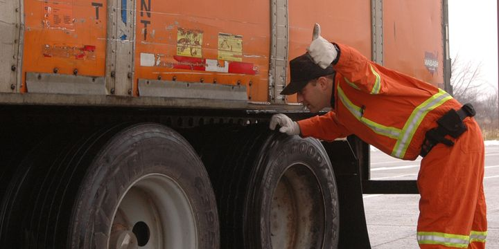 Inspection results from this year's CVSA unannounced Brake Safety Day show improvements over 2019, but inspectors noted a troubling number of brake hose and tubing violations. -