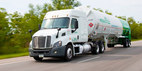 Air Products plans to convert its global fleet to hydrogen fuel cell trucks.
