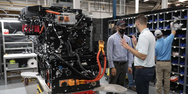 Starting in 2023, a dedicated line at Toyota Motor Manufacturing Kentucky in Georgetown, Kentucky, will begin assembling integrated dual fuel cell modules destined for use in hydrogen-powered, heavy-duty commercial trucks. - Photo: Toyota