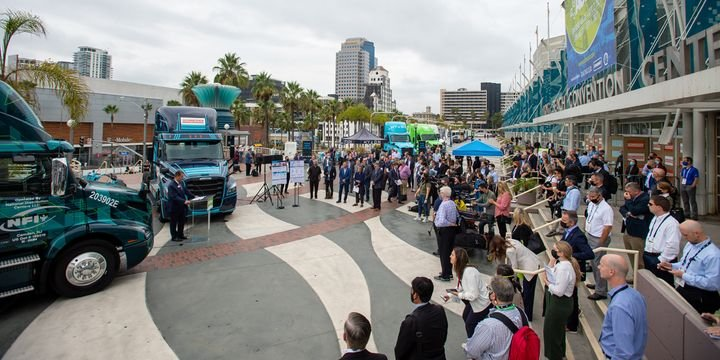 Daimler Trucks North America and Volvo Trucks North America will produce and deliver 100 Class 8 battery-electric trucks for deployment in Schneider and NFI's Southern California fleet operations as part of the Joint Electric Truck Scaling Initiative. - Photo: ACT Expo