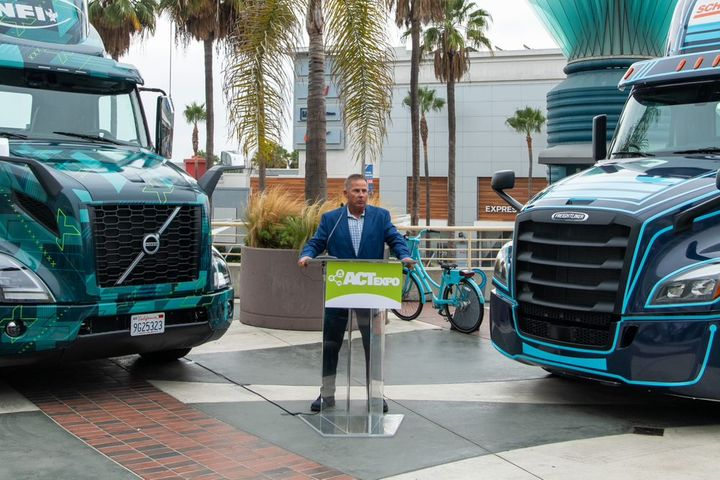 Volvo Trucks will deliver 30 VNR Electric trucks, an all-electric Class 8 model that the company commercialized in late 2020, to NFI. - Photo: ACT Expo