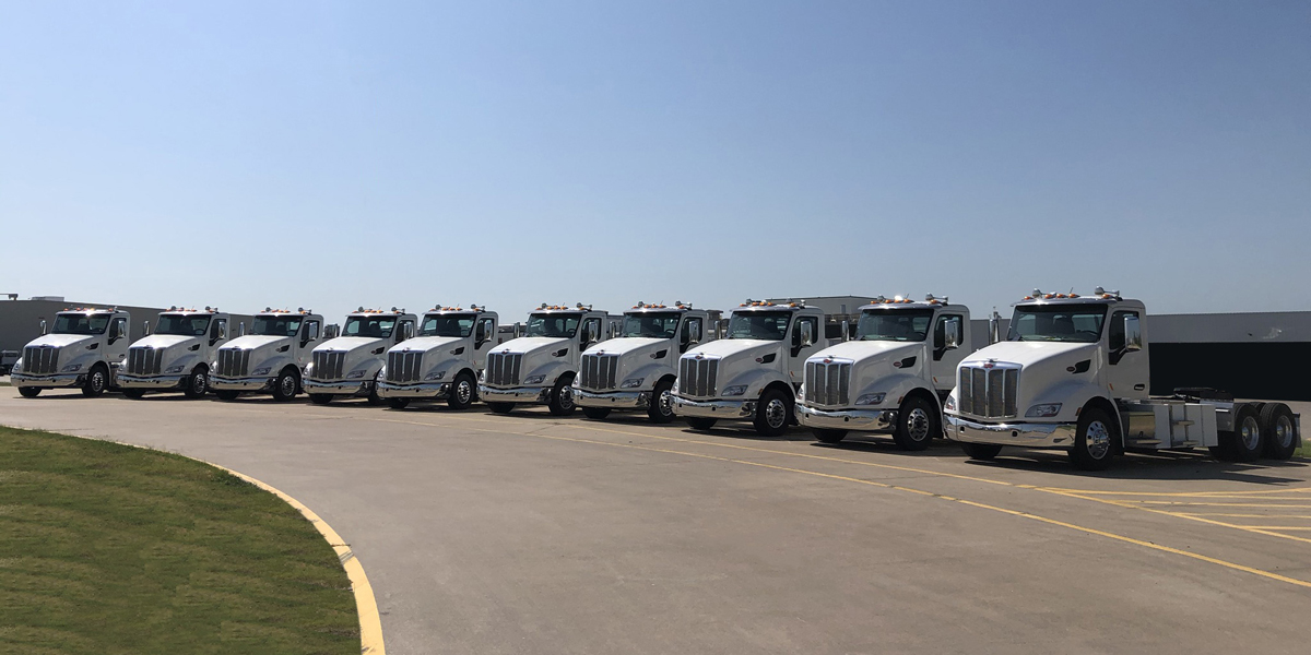 Peterbilt Delivers 579EVs to California Drayage Operation