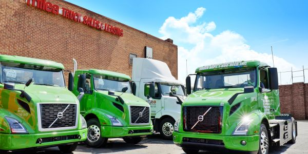 A Volvo VNR Electric bound for Manhattan Beer Distributors received its final pre-customer...