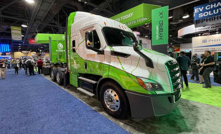 Werner Enterprises is a new Hyliion customer, showing off a truck with the new Hybrid eX powertrain at ACT Expo. - Photo: Jack Roberts