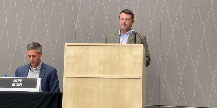 John Cathey, field sales support manager, original equipment, East Penn. Manufacturing, briefs fleet managers on battery maintenance during the TMC Fall Meeting in Cleveland. - Photo: Jack Roberts