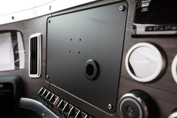 On the B-panel, a flex panel can be prepped for a tablet or configured for an additional 12 switches or 10 gauges. - Photo: Western Star