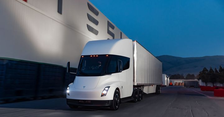 Tesla's electric Semi is now not expected until 2023. - Photo: Tesla