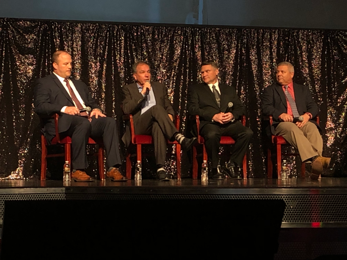 Panelists at Heavy Duty Aftermarket Dialogue talk about what keeps them up at night.  - Photo by John G. Smith, courtesy Today's Trucking