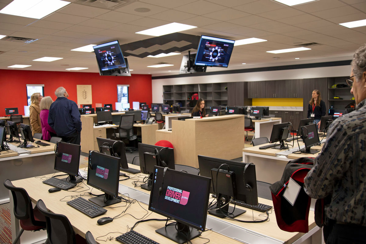 A computer lab allows drivers to engage in interactive, self-paced learning at U.S. Xpress.