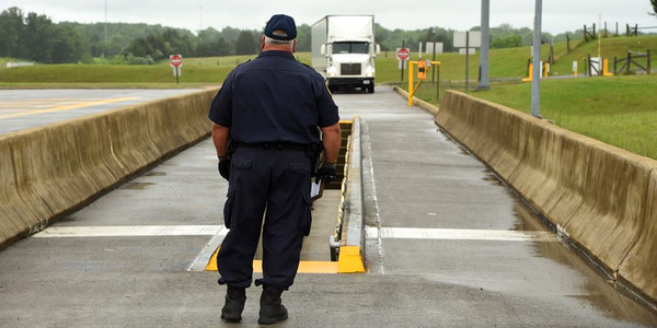 CVSA is offering two courses on roadside inspections for trucking industry members. Photo: CVSA