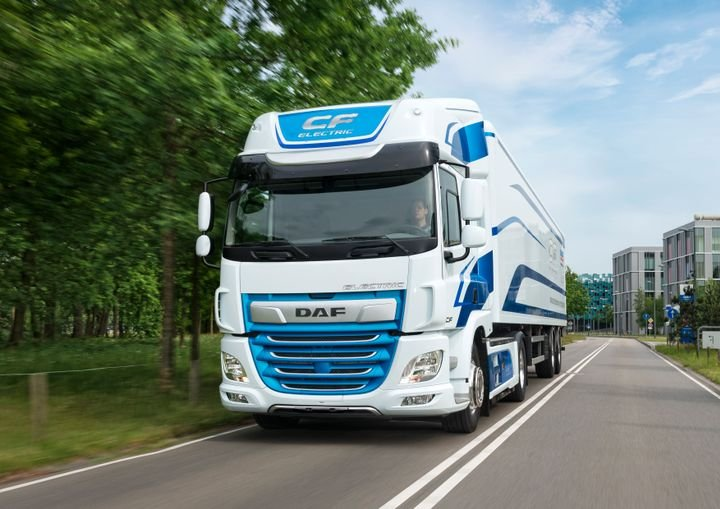 The new CF Electric truck will debut later this year in select DAF customer fleets and feature a 62-mile daily range.