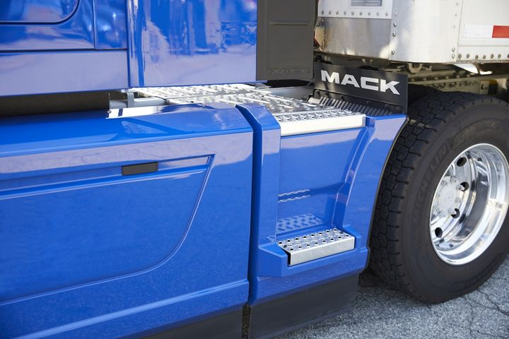 Theextended chassis fairing option for Mack's flagship Anthem truck isdesigned to improve fuel efficiency by directing air around the rear axles.  - Photo: Mack Trucks