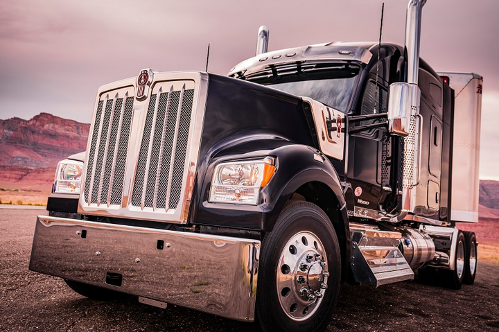 Kenworth Launches Long-Hood Conventional W990 - Equipment - Trucking