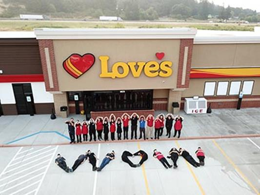 Love's Travel Stops has opened a new location along the Interstate 5 corridor outside of Portland.