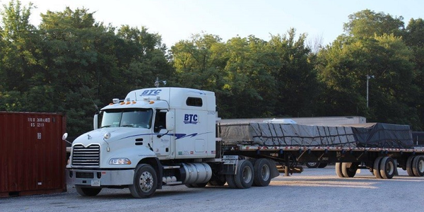 With a fleet of more than 300 company trucks, nearly 500 48-foot spread-axle trailers and around...
