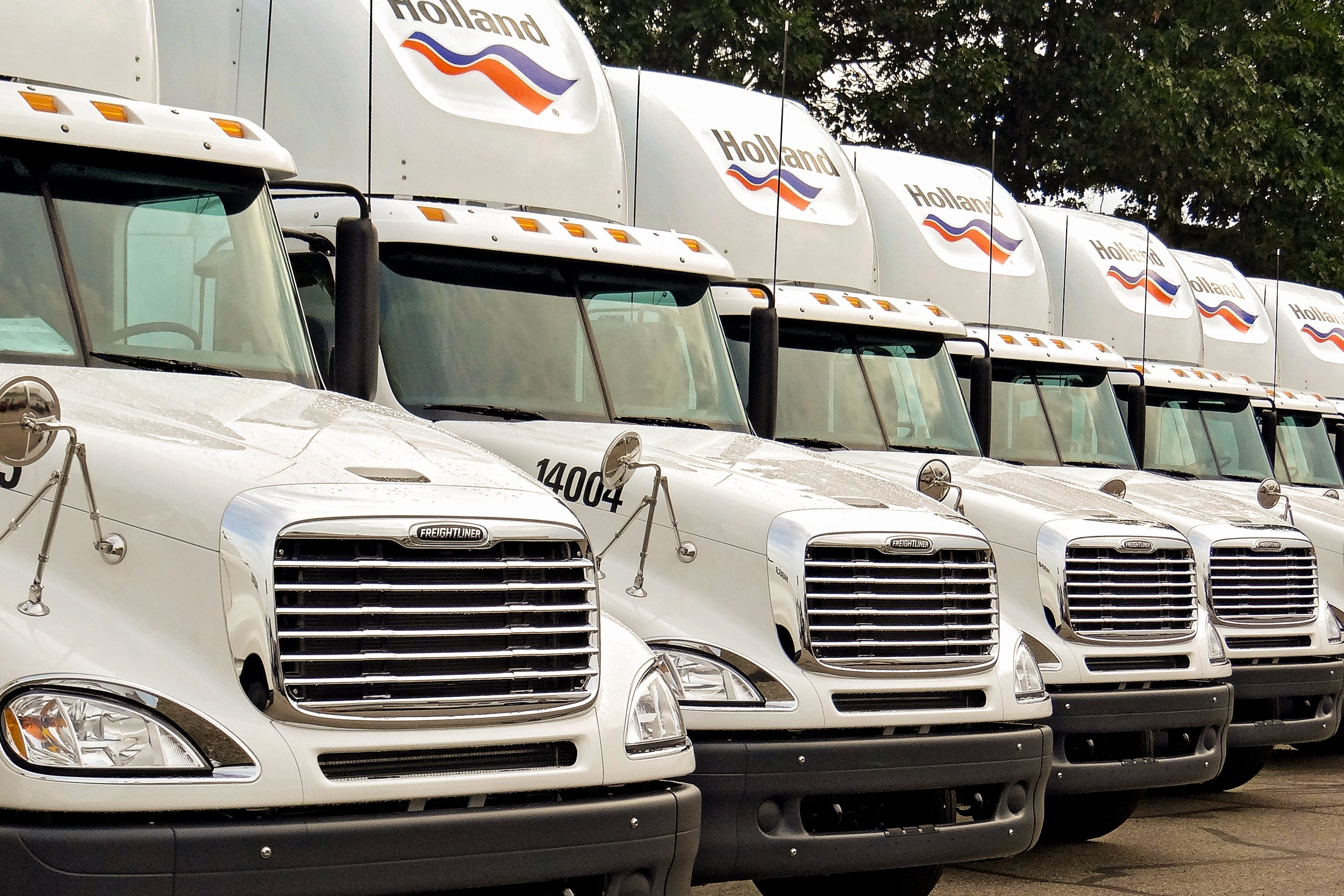 Holland Launches Apprentice Program to Bring in LTL Truck Drivers