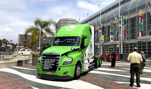 Clean vehicle technology took center stage at recent alt fuel conference in Long Beach. In front of the event, a Class 8 Hyliion demonstration truck drew attention from passersby. Photos: Steven Martinez
