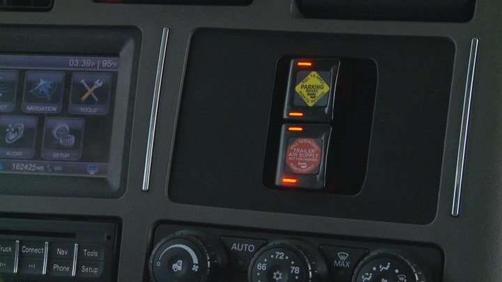 A new lighting system on the Bendix Intellipark electronic parking brake lets drivers quickly ascertain park brake status with just a glance. Photo: Bendix