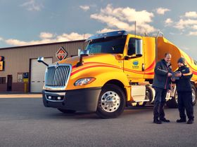 Navistar Service Partnership with Love's and Speedco Goes Live