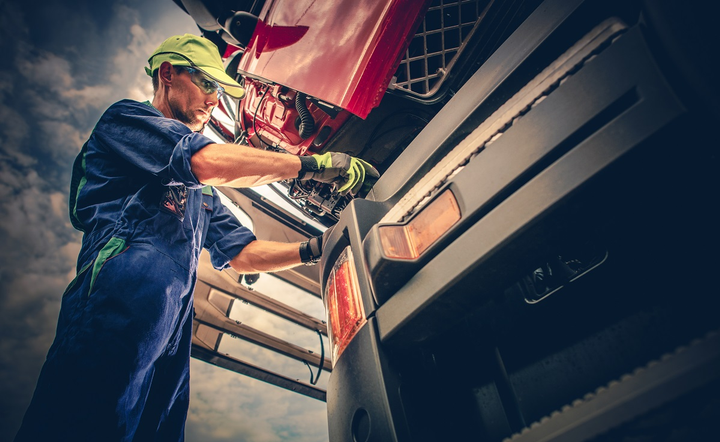 Heavy Duty Trucking magazine is hosting a free webinar on Aug. 29 about how fleets can stay on top of and even lower their maintenance costs.