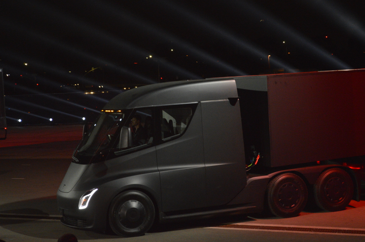 Will a fleet of Tesla Semi trucks soon be hauling the company's electric cars to the East coast? A recent tweet by CEO Elon Musk seems to indicate that may happen.