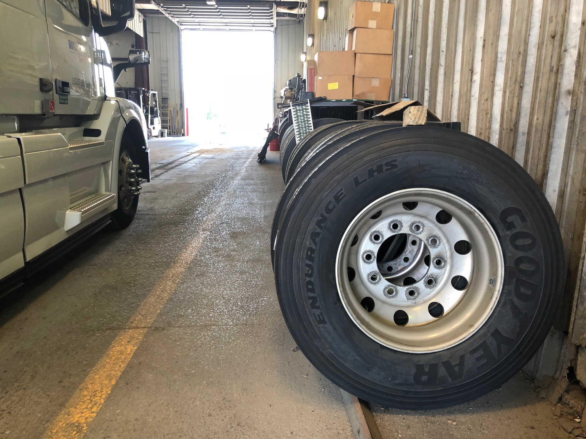 How to Test Truck Tires in Your Fleet