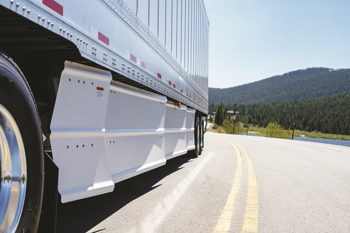 Wabash and Meritor have signed a 3-year supplier agreement that will make several Meritor products standard equipment or preferred options on Wabash trailers.