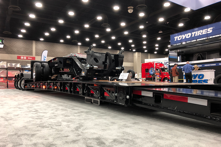 The first of its kind in the U.S. market, the XL 110 HDE (Hydraulic Detachable Extendable) is a mini-deck extendable trailer that has a capacity rating of 110,000 pounds overall and 100,000 pounds in 10 feet when the trailer is closed.