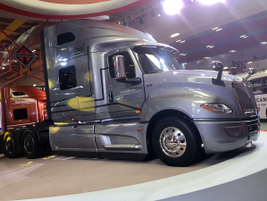 This Intertional LT was displayed in pride of place at the Navistar booth.