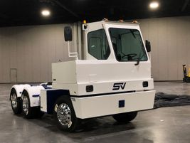 The new Lonestar SV terminal tractor features all-Dana e-Powertrain components fitted on a...