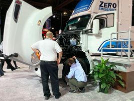 Kenworth's ZEV is part of a zero-emissions project at the southern California ports.