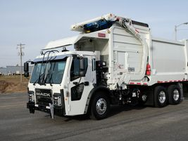 A diesel version of the Mack LR with a Curotto-Can collection system.
